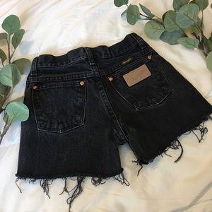 Wrangler   Vintage High Waisted Mom Shorts H148